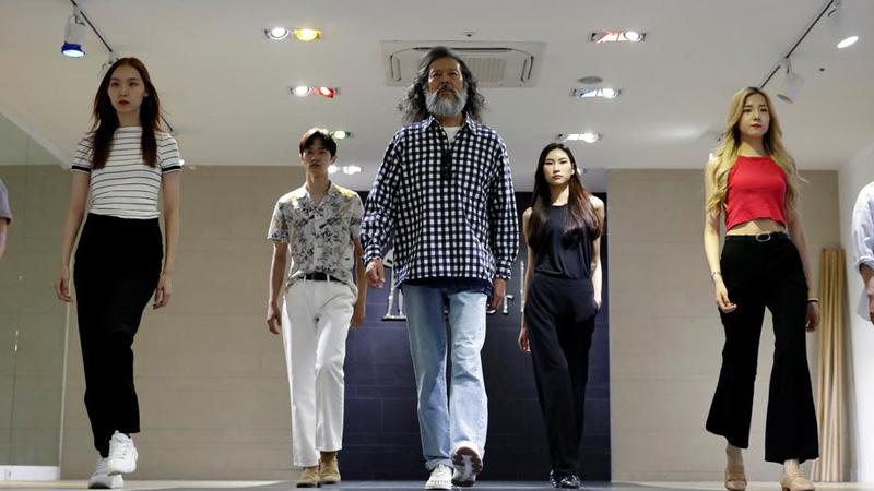 Пожилые южнокорейцы строят модельную карьеру