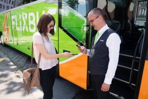 В Украину заходит крупнейший в Европе автобусный лоукостер