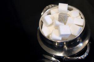 Ученые сравнили пристрастие к сладкому с курением