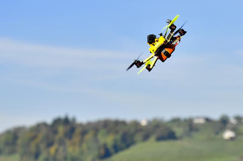 Amazon будет использовать дроны для доставки посылок