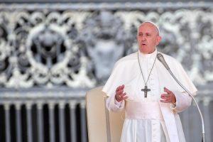 Папа Римский изменил текст молитвы