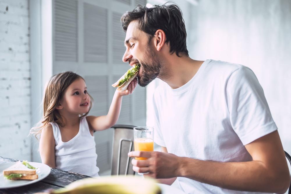 День отца: какие качества и гены ребенок наследует от папы.Вокруг Света. Украина