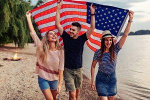 США будут проверять соцсети при подаче на визу
