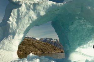 Арктическая ледяная арка разрушилась раньше, чем ожидалось
