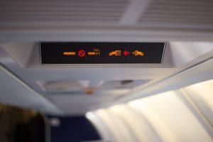 После курения на борту пассажиру пожизненно запретили летать