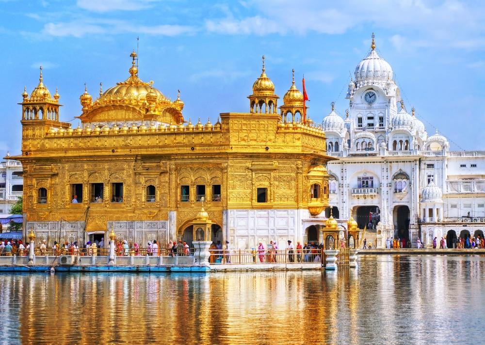 8 самых величественных храмов Индии