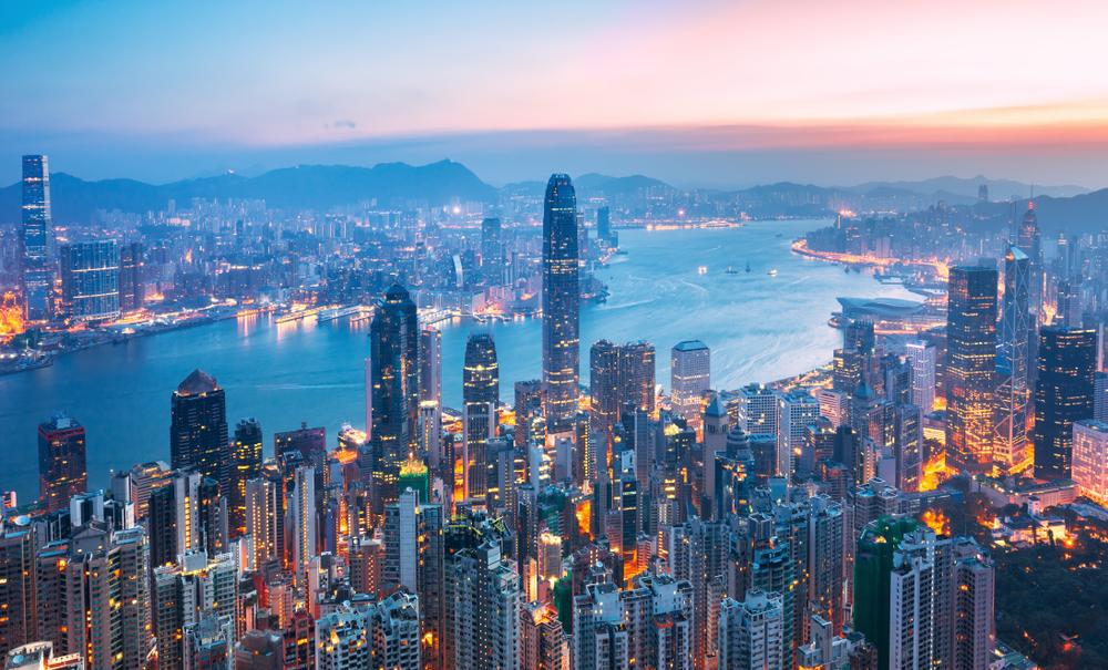 Гонконг занял первое место в рейтинге самых дорогих городов.Вокруг Света. Украина