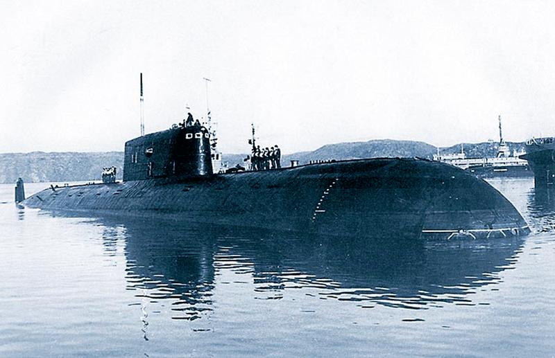 Затонувшая советская атомная подлодка фонит и ныне