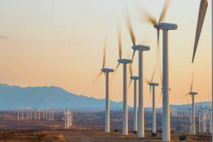 В Кении запустили крупнейшую ветряную электростанцию Африки