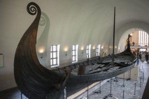 В Швеции археологи обнаружили погребальную ладью викингов