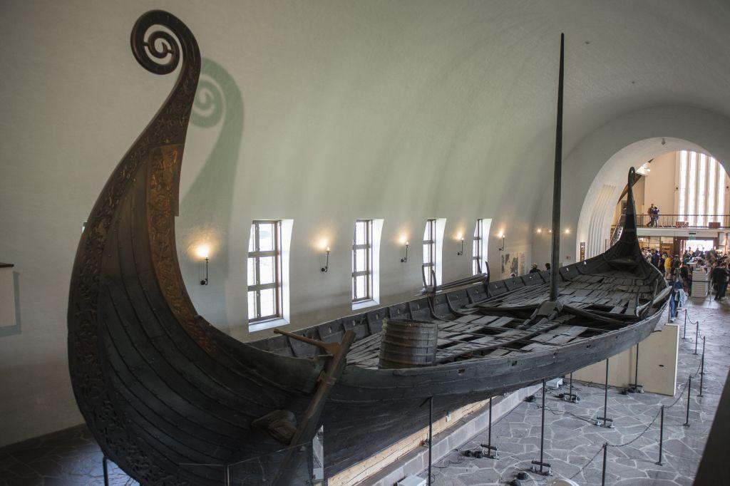 В Швеции археологи обнаружили погребальную ладью викингов.Вокруг Света. Украина