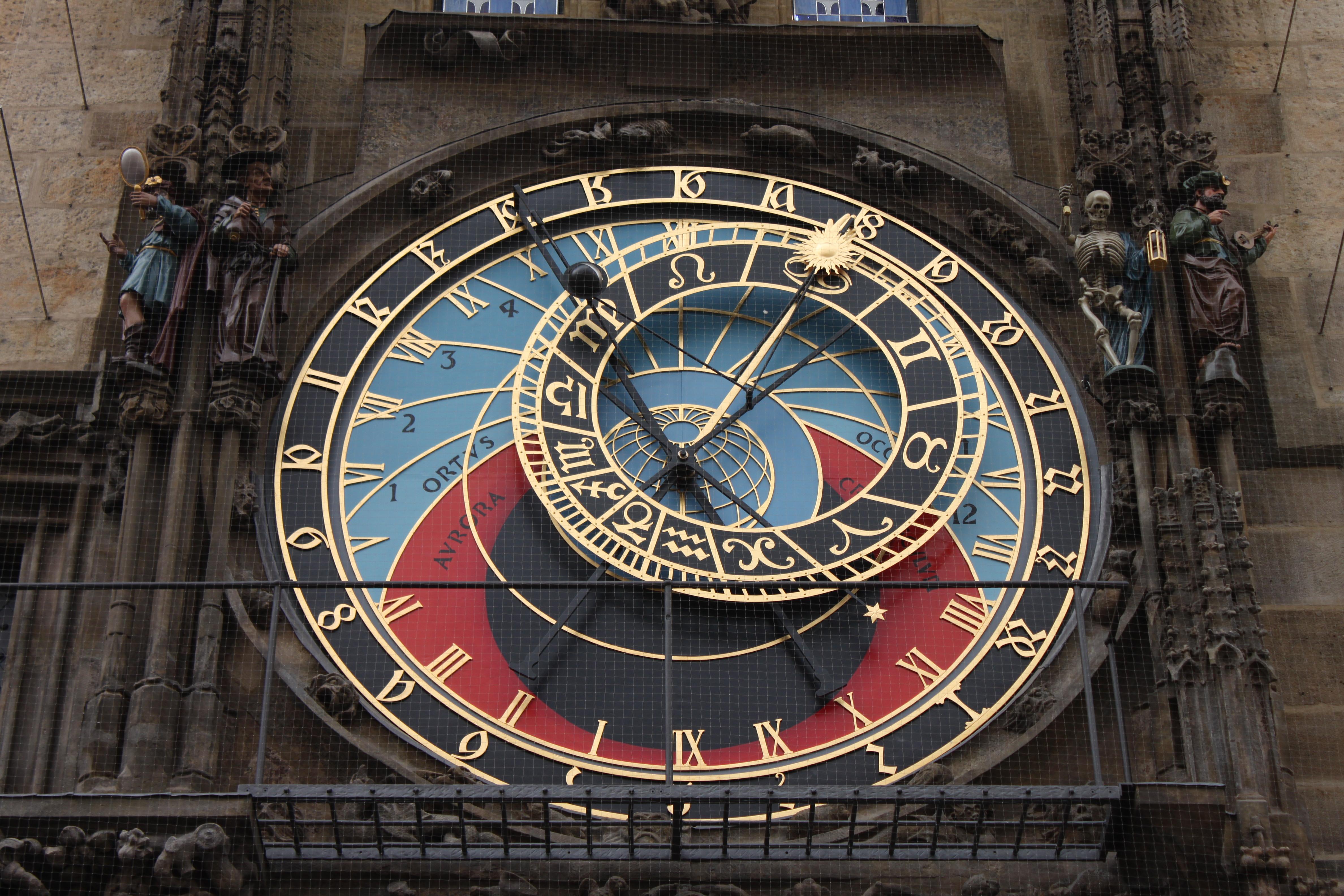 Пражский Орлой: часы или средневековый компьютер?
