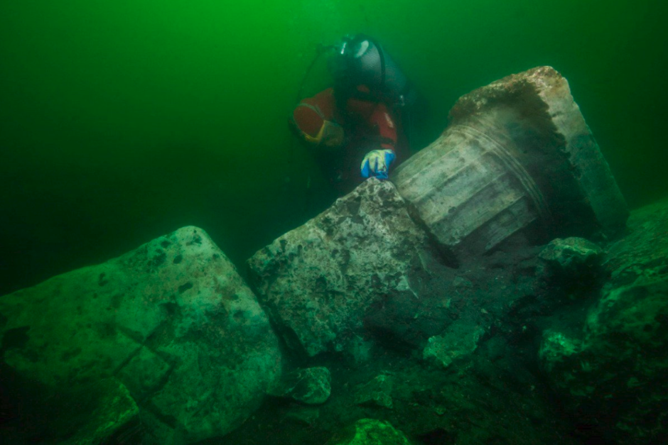 В затонувшем древнеегипетском городе Гераклионе обнаружили разрушенный храм