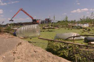 Тису очищают от украинского мусора