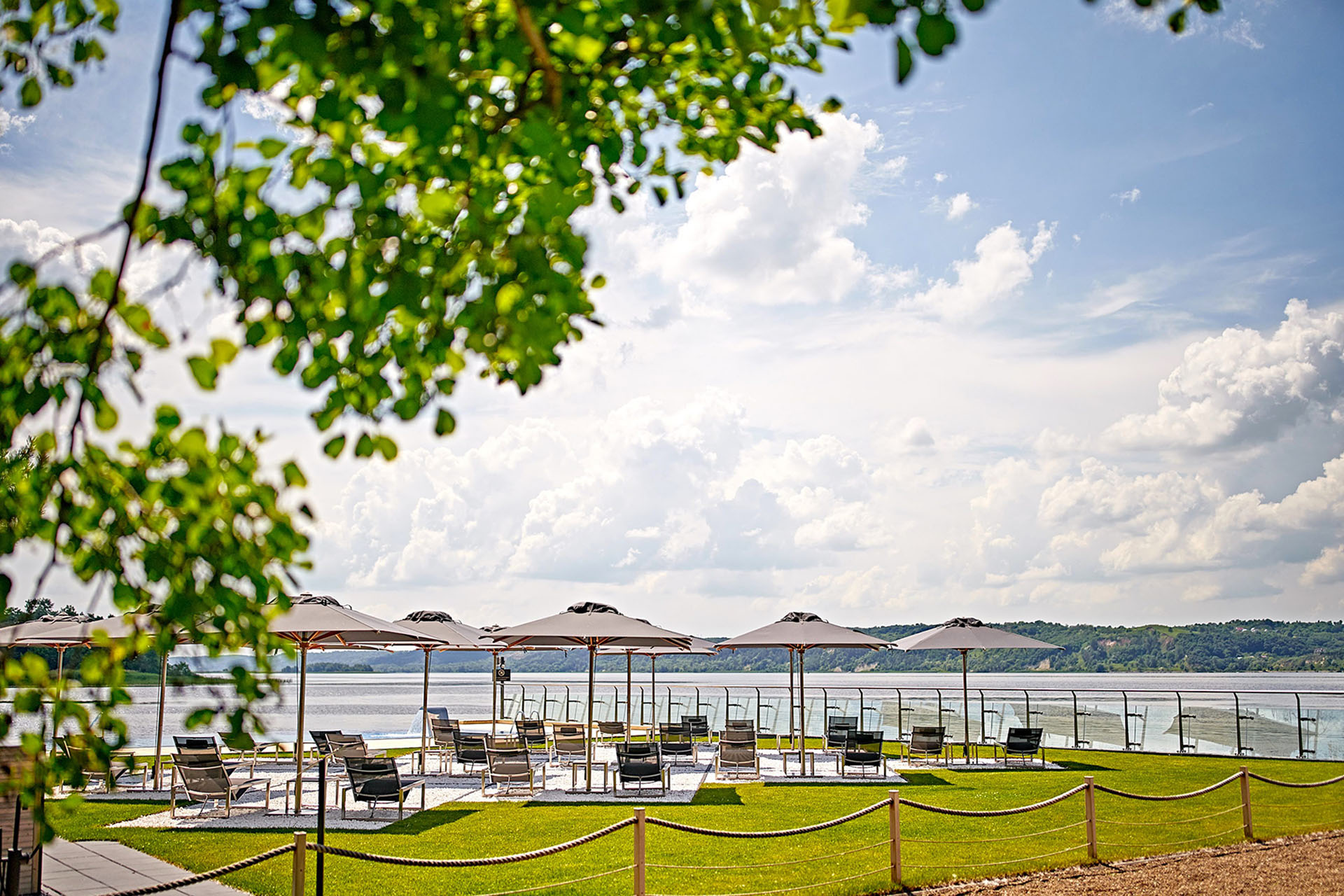 Планы на август: каникулы в Selfish Сlub.Вокруг Света. Украина