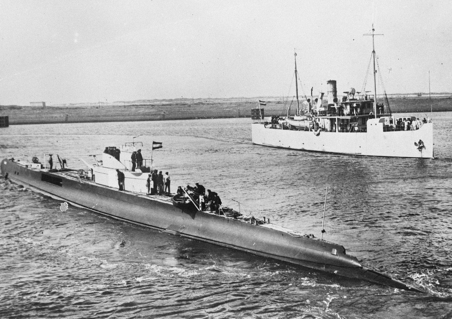 Две подлодки времен Второй мировой тайком вытащили из океана у побережья Малайзии