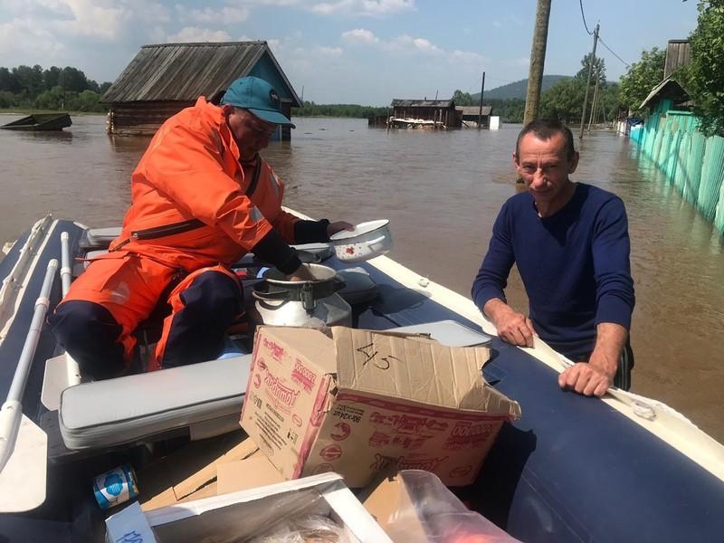 В Иркутской области России паводком унесло сотни домов