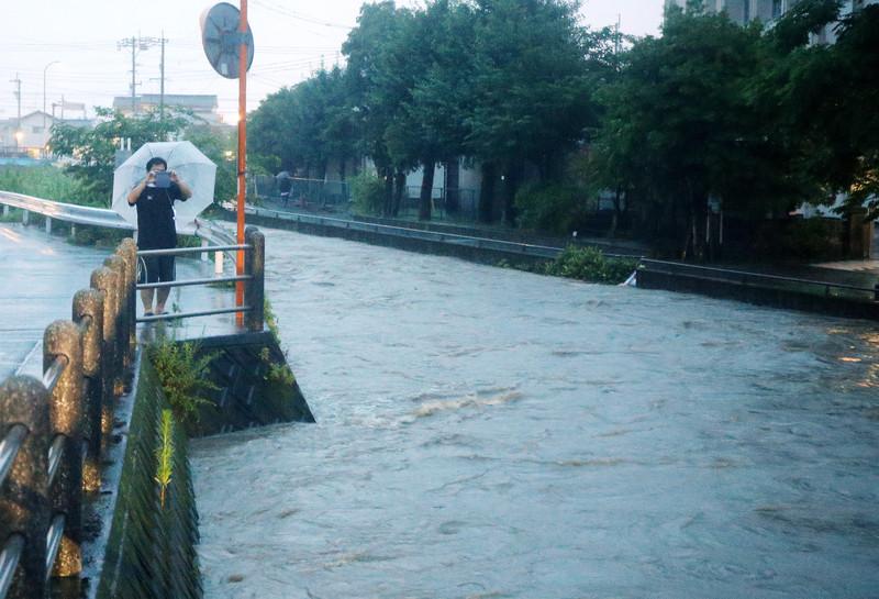 В Японии приказ об эвакуации получили более 1 миллиона человек