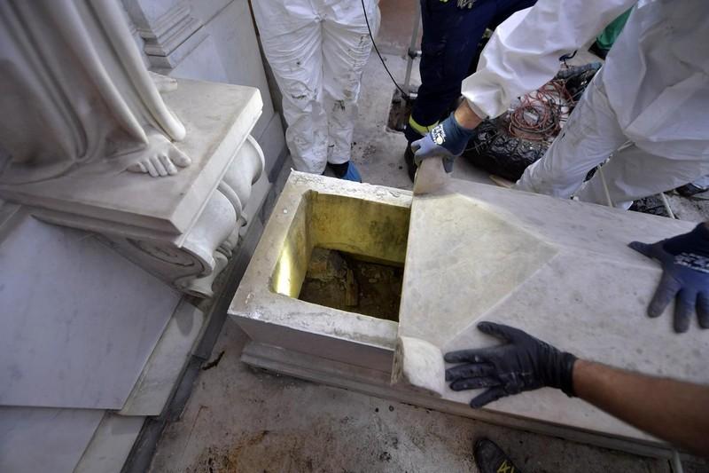 В Ватикане вскрыли могилы немецких принцесс, но они оказались пусты