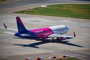 Wizz Air отменил рейсы из Киева по 17 направлениям