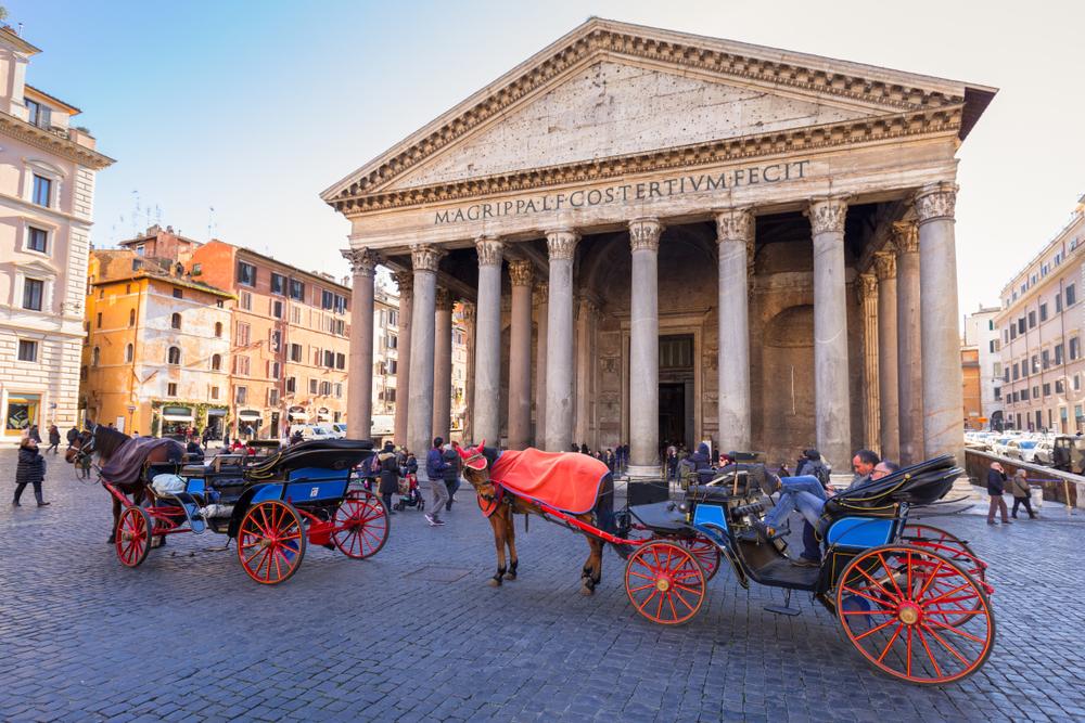 По Риму запретили кататься на конных повозках.Вокруг Света. Украина