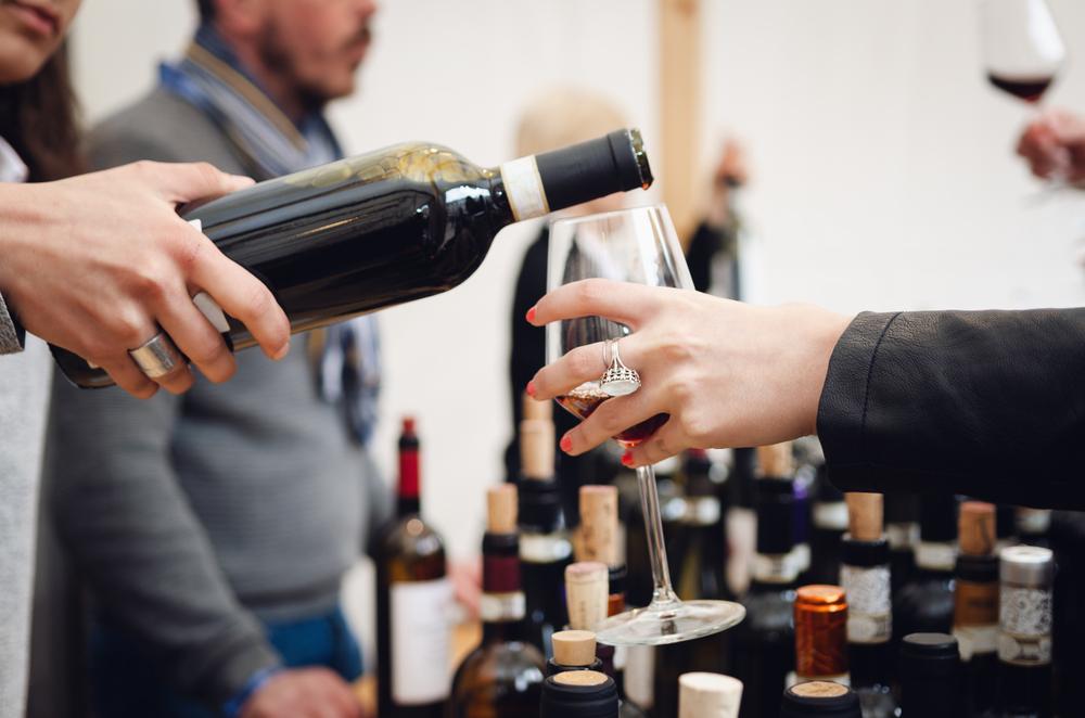 Названа лучшая страна для любителей вина. И это не Франция