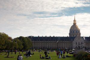 Во Франции из Елисейского дворца исчезли раритеты