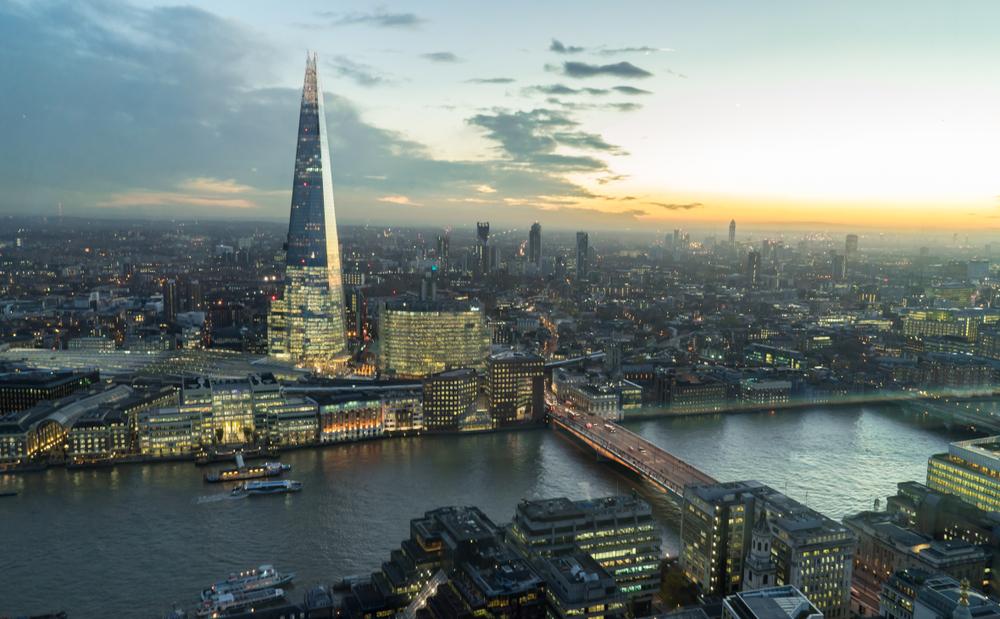В Лондоне альпинист без страховки покорил 310-метровый небоскреб