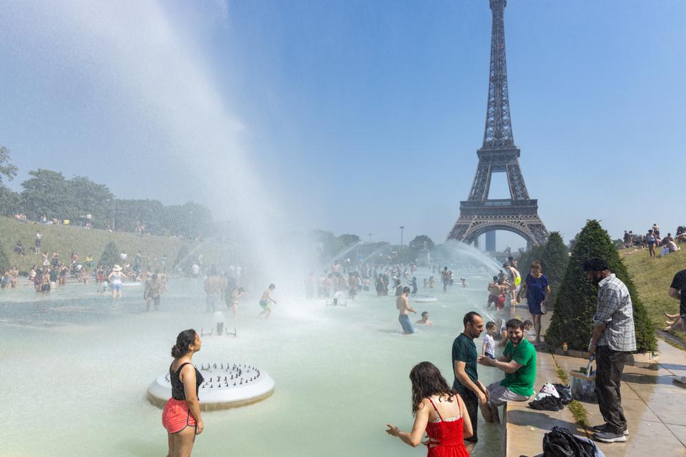 Выше 42 градусов: жара в Западной Европе побила исторические рекорды