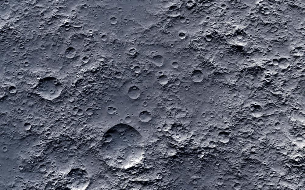 На Луне может быть вдвое больше воды, чем предполагали ученые