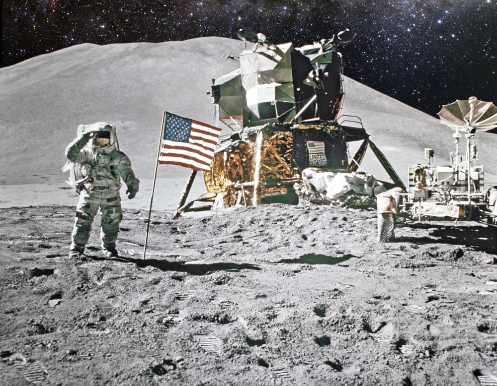 Высадка астронавтов на Луне не фейк — киноэксперт