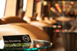 В Австрии запретили курить в барах и ресторанах