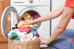 Как постирать одежду и не навредить экологии