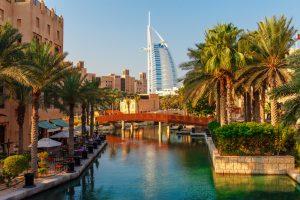 Туристам разрешат покупать алкоголь в магазинах Дубая