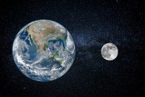 Луна отдаляется от Земли, что вызывает землетрясения