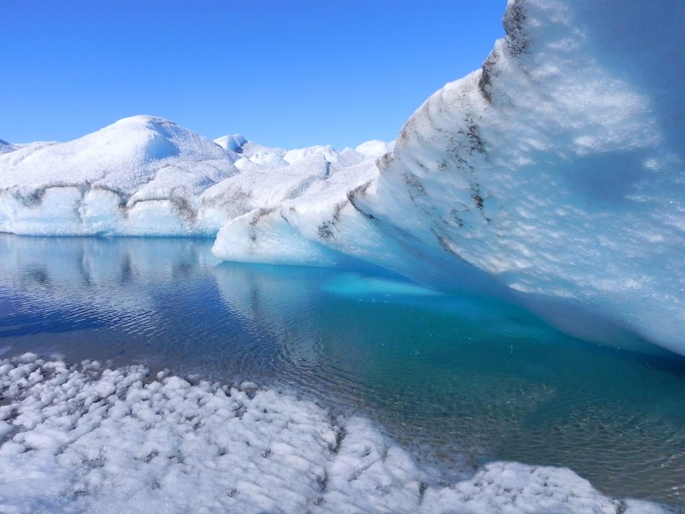 Ледяной щит Гренландии скользит с непредвиденной скоростью