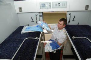 Ложки не нашлись: что воруют в украинских поездах