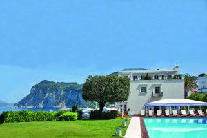 Чемодан в отпуск: тренды сезона для Insta-путешествия