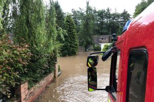 Наводнение в Северной Англии привело к серьезным разрушениям