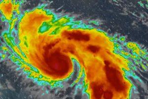На США надвигается смертоносный ураган «Дориан»
