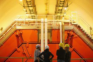 Большой адронный коллайдер: путешествие к началу Вселенной