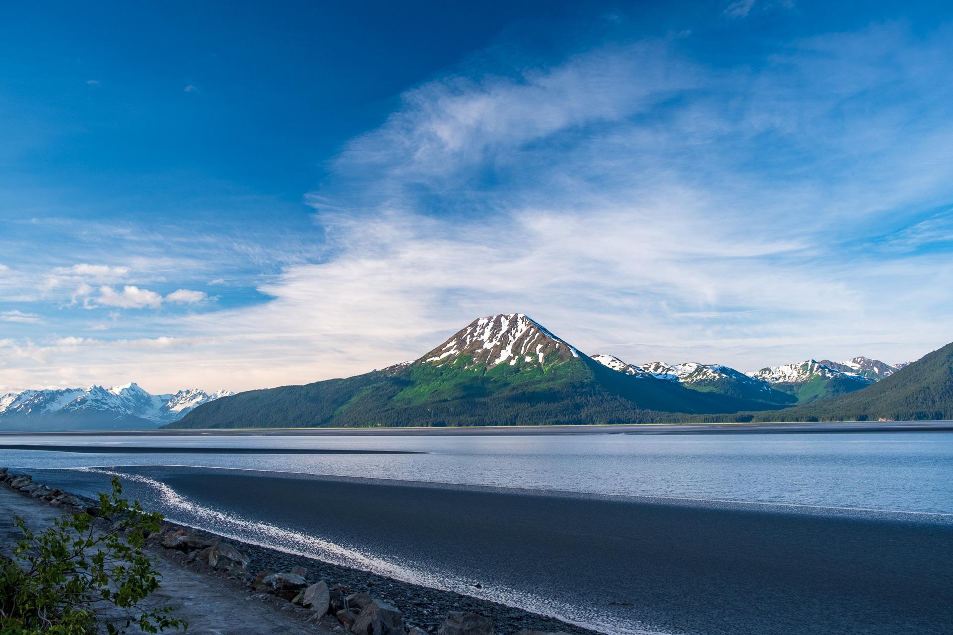 Летние каникулы на Аляске: рыбалка с медведями и клаймбинг по ледникам.Вокруг Света. Украина