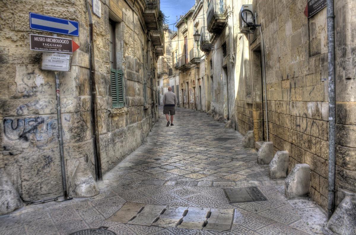 Итальянец открыл ресторан над древним поселением