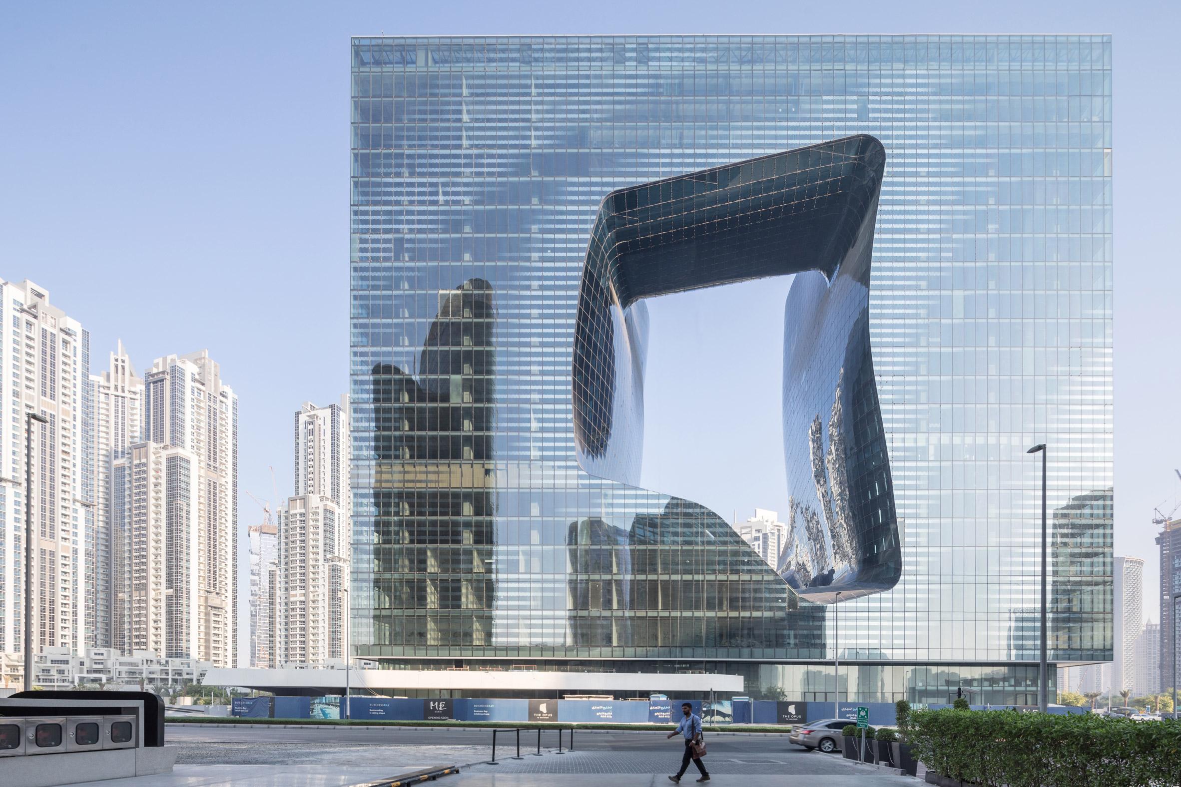 В Дубае откроют необычный небоскреб с дыркой