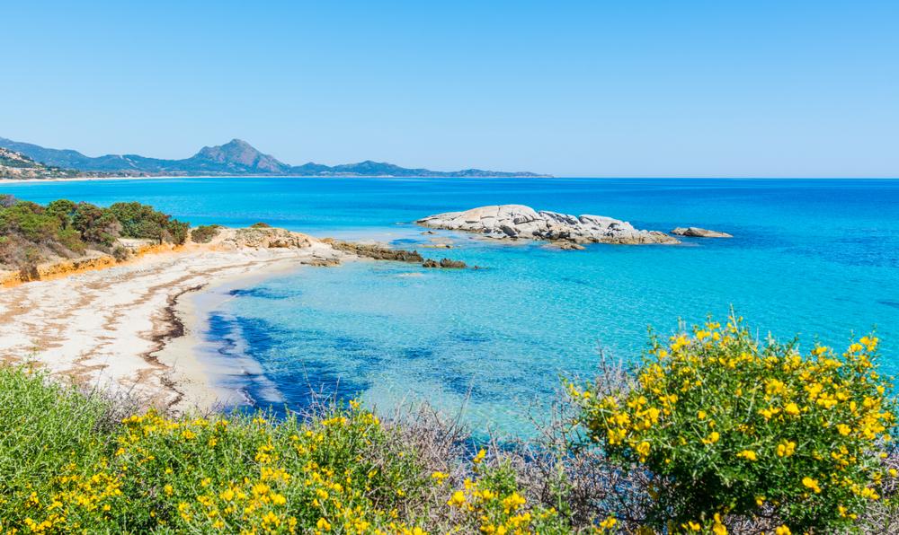 Паре, укравшей песок с пляжа в Сардинии, грозит 6 лет тюрьмы