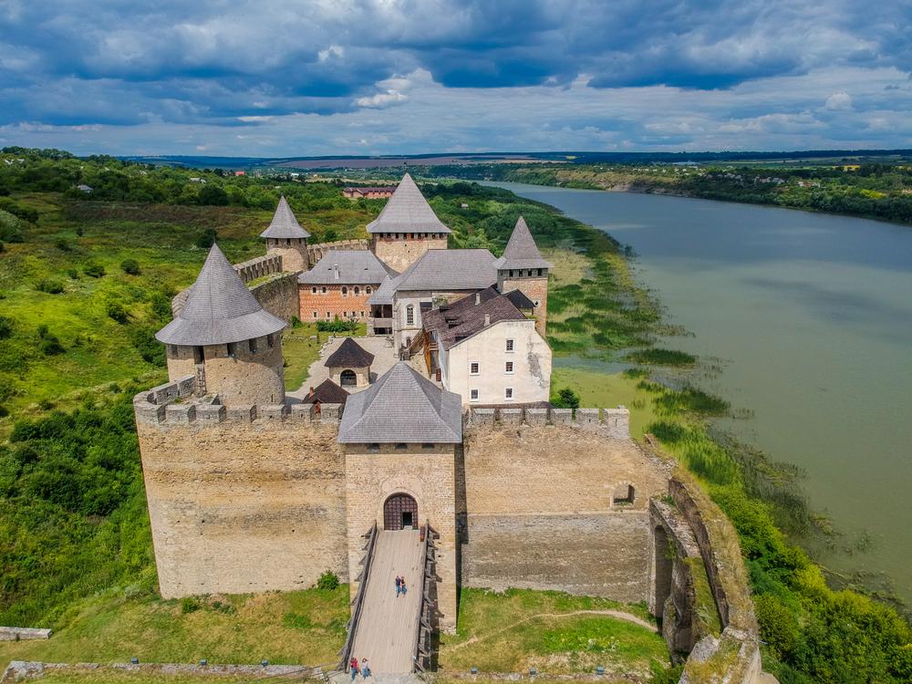 Украинские замки зарегистрировались в Tinder