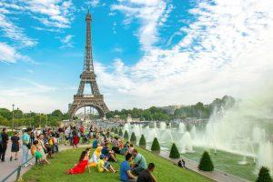 В Париже к 2021 году высадят 20000 деревьев