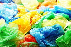 В Англии продажи полиэтиленовых пакетов упали на 90%