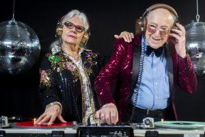 В Германии полиция разогнала дискотеку пенсионеров