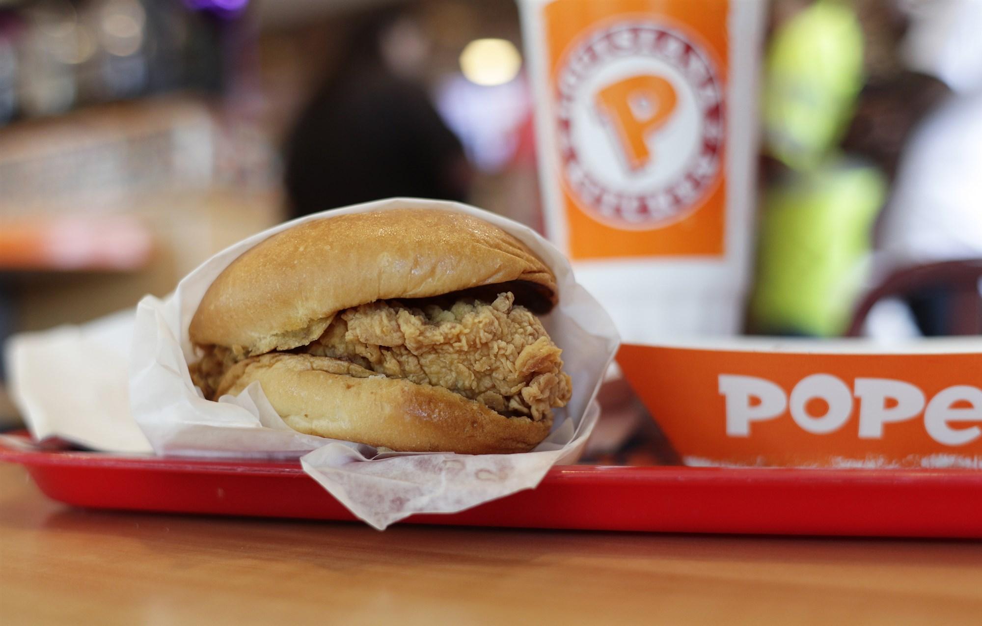 Бургер или жизнь? – в США посетитель фастфуда угрожал персоналу пистолетом